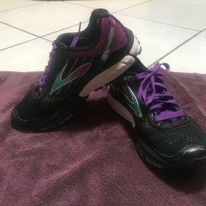 Brooks Ghost woman's running shoe.